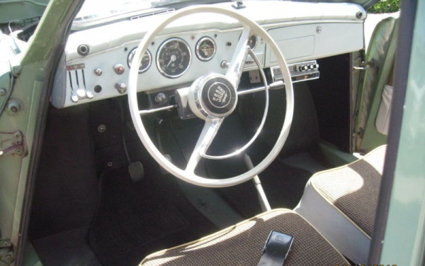 1966-SAAB-96-dash