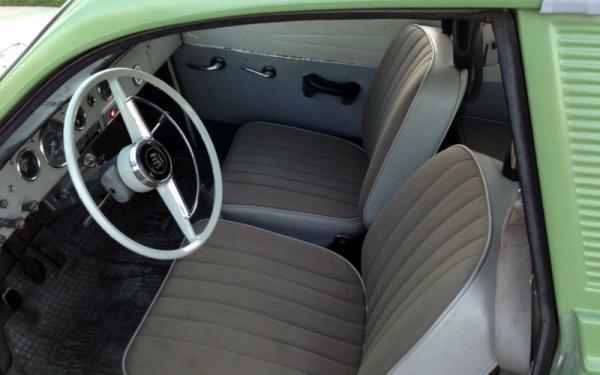 1967-saab-95-interior