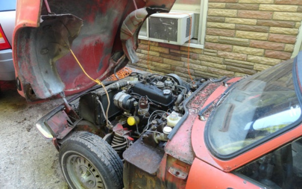 1977-Triumph-Spitfire-engine