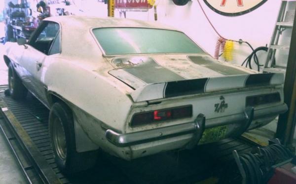 rusty-pony-1969-chevy-camaro-z28-rear