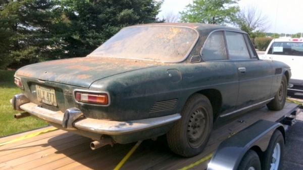 1967-iso-rivolta-gt-ir300-rear-corner