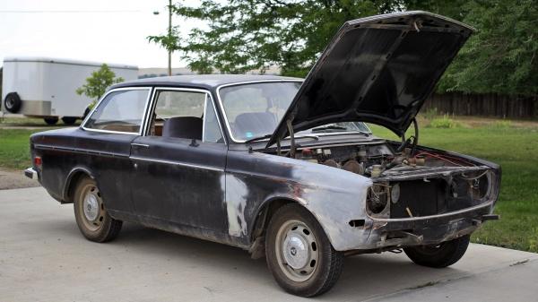 1968-volvo-142s-barn-find