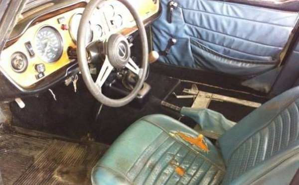 1973-triump-tr6-interior