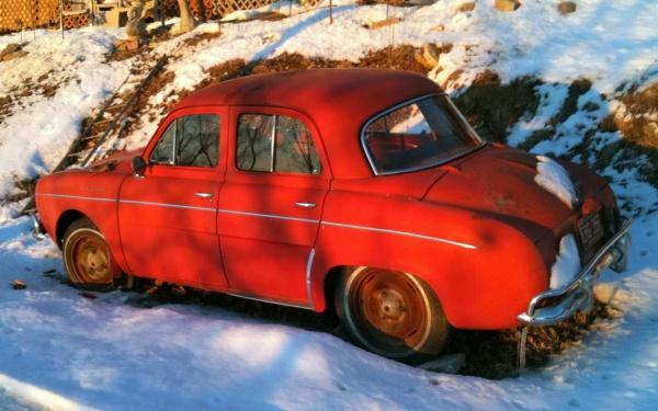 bruces-1961-renault-dauphine-rear-corner