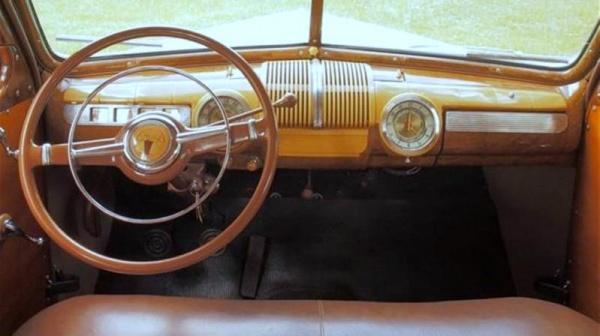 rare-year-1942-ford-woodie-wagon-interior