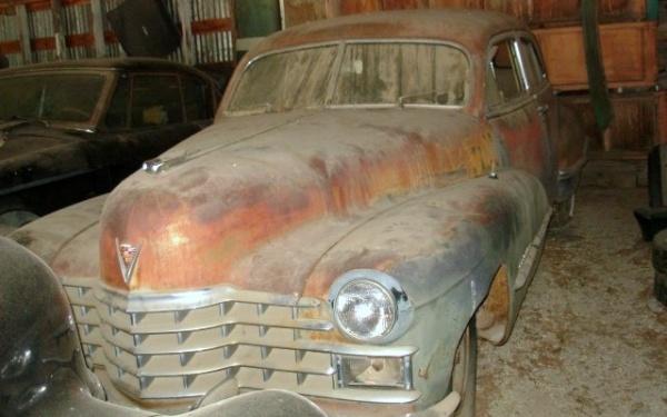 rusty-luxury-1947-cadillac-series-62-in-the-barn