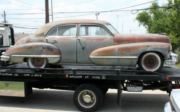 rusty-luxury-1947-cadillac-series-62-out-of-the-barn