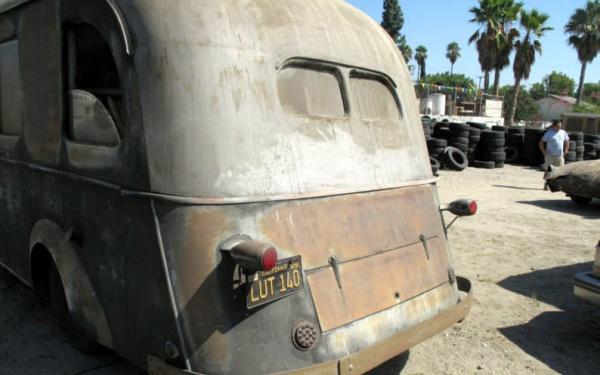 1935-packard-motorhome-rear
