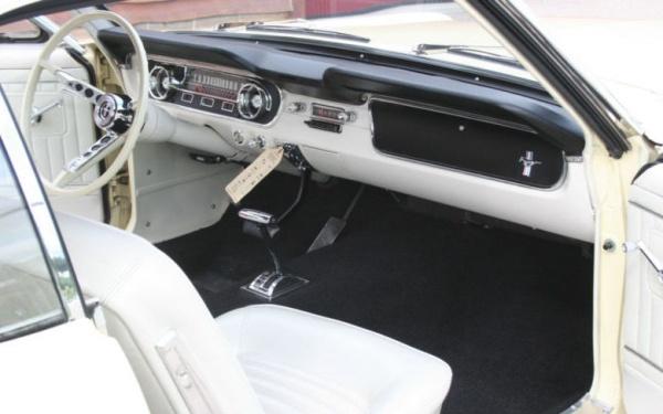 1965-Mustang-dash