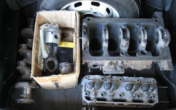 1967-sunbeam-alpine-engine