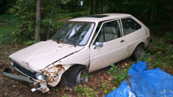 1980-ford-fiesta-ghia-front-end