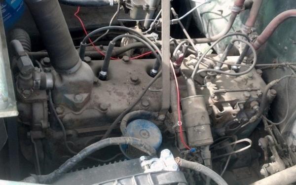 1948-desoto-suburban-engine