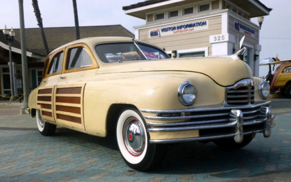 1948-packard-station-sedan