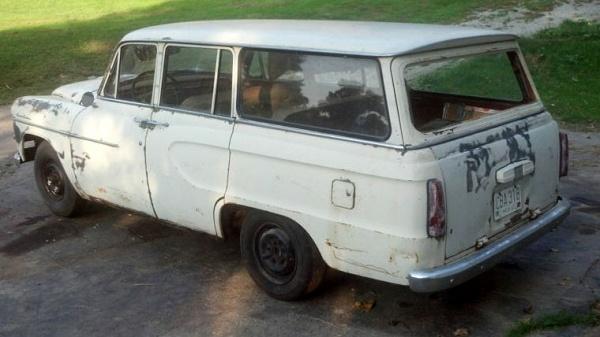 1960-toyopet-crown-wagon-rear
