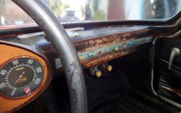 1960-moretti-coupe-interior