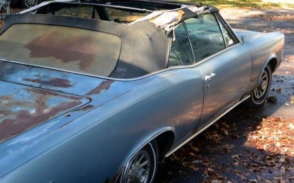 1966-pontiac-gto-rear-corner