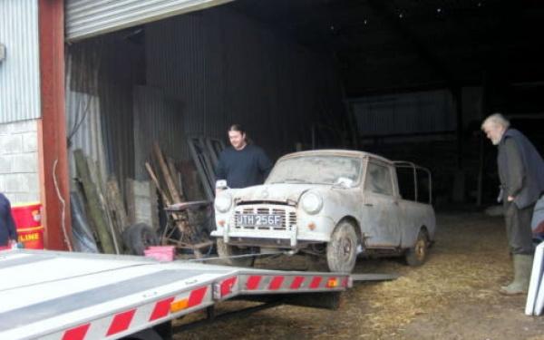 1968-austin-mini-truck