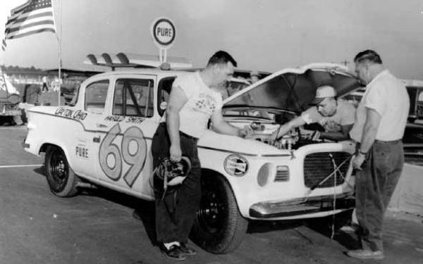 lark-race-car