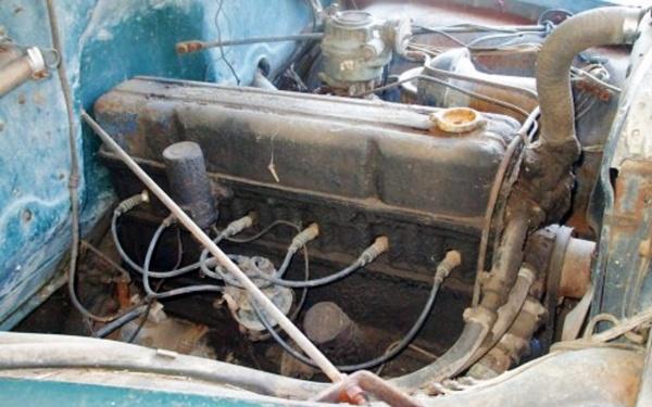 1949-chevy-motor