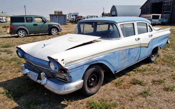 1957-ford-sedan
