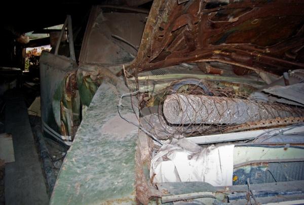 Plymouth-GTX-side-damage