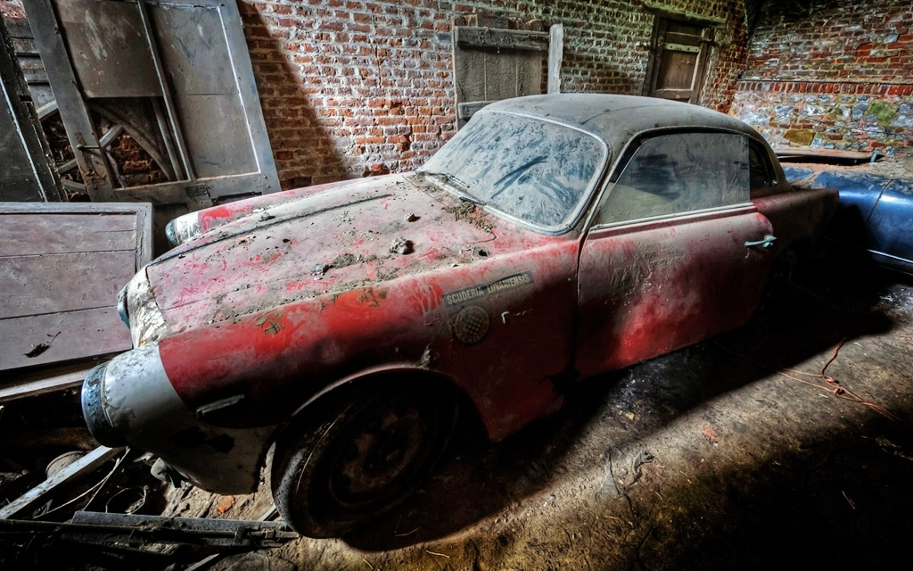 In barn old barn find motorcycles custom hot rod junk cars for sale