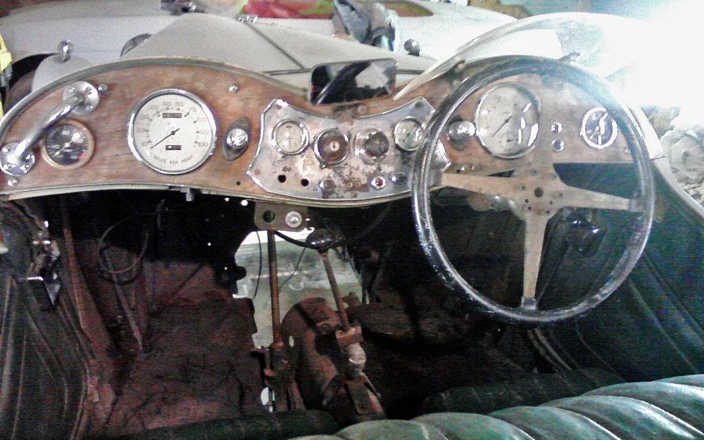 1948 MG TC interior