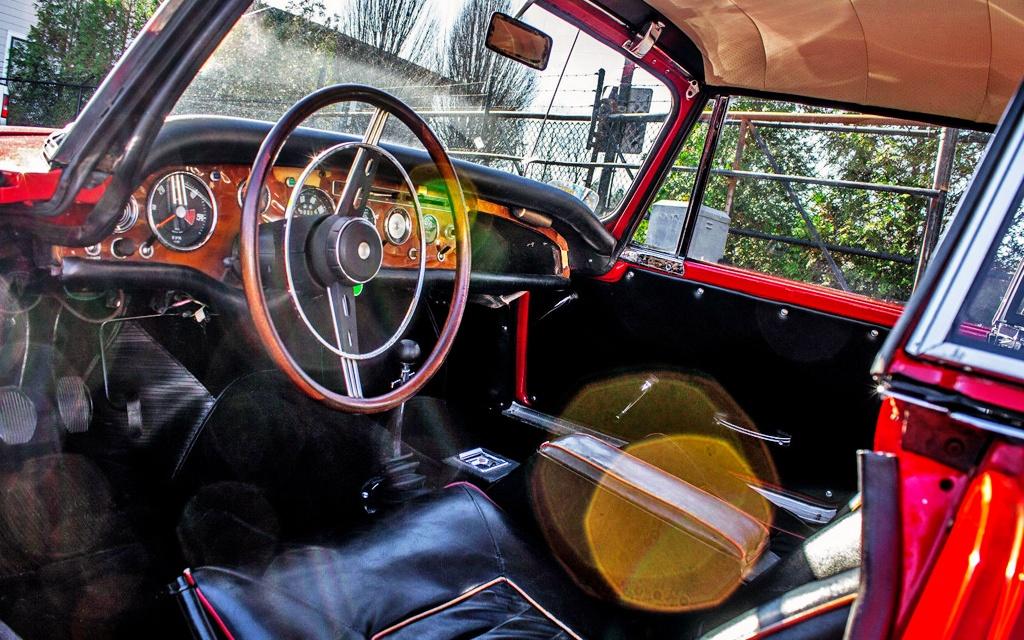 1965 Sunbeam Tiger interior