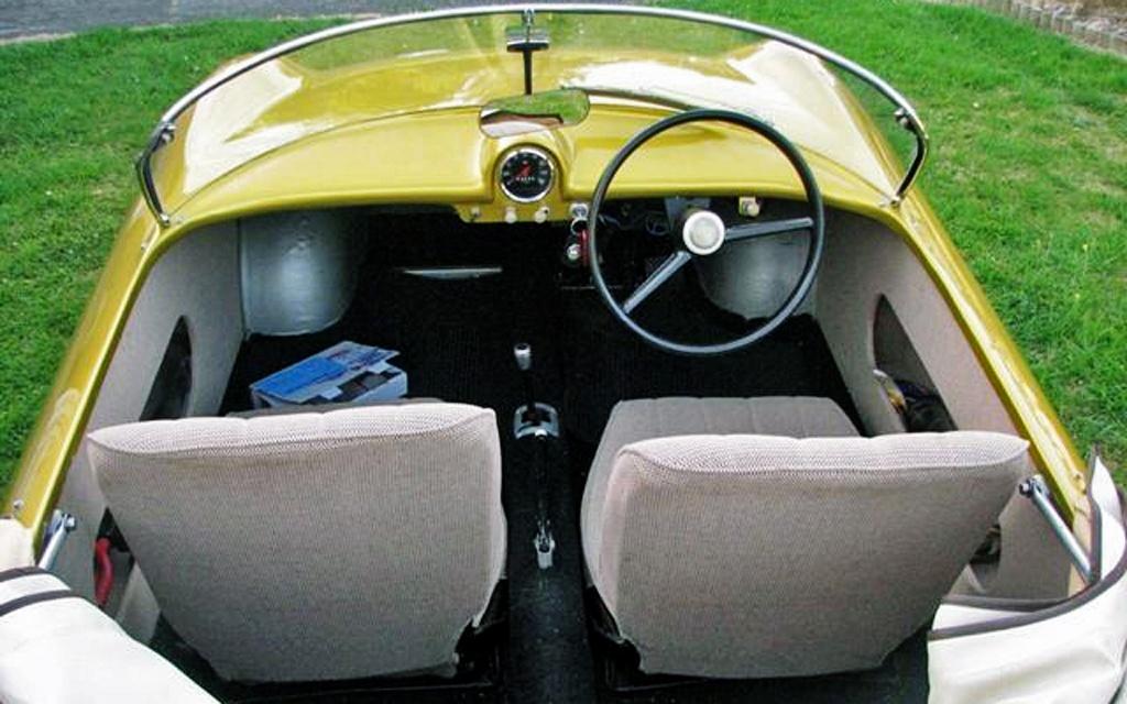Goggomobil Dart interior