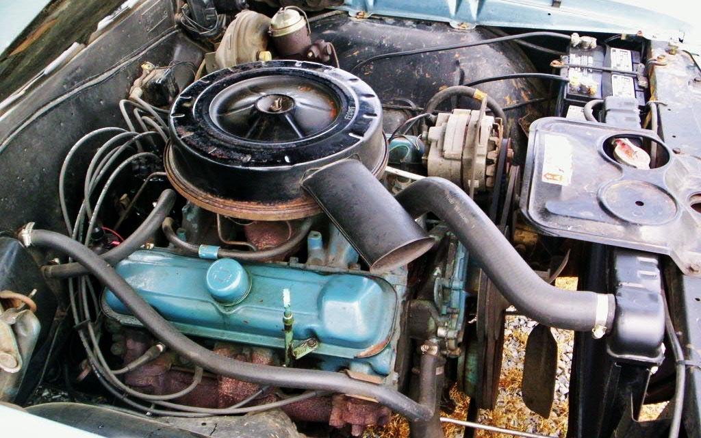 1965 Pontiac Tempest engine
