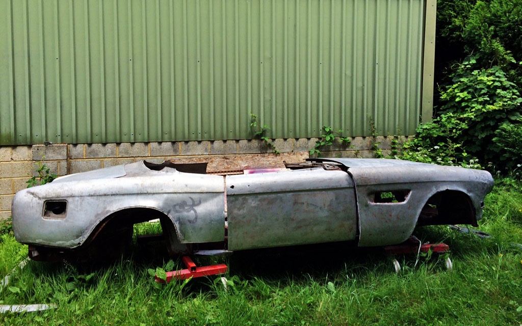 BMW 503 in sections