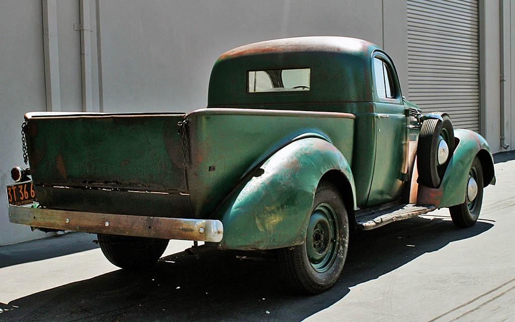 1937 Studebaker J-5 Truck