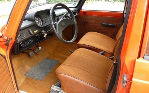 1977-wartburg-353w-interior