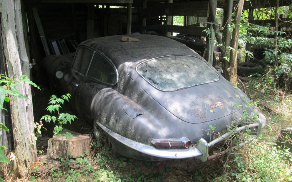 1963-jaguar-e-type-rear