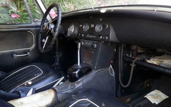 1965-ah-sprite-interior