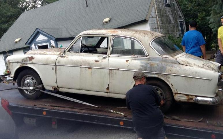 Rhode Island Amazon: 1966 Volvo 122S
