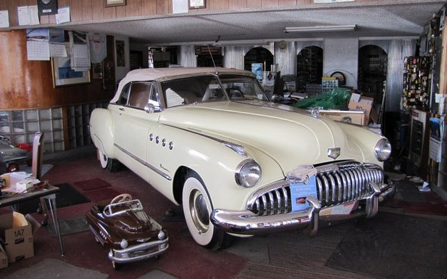 buick-with-baby