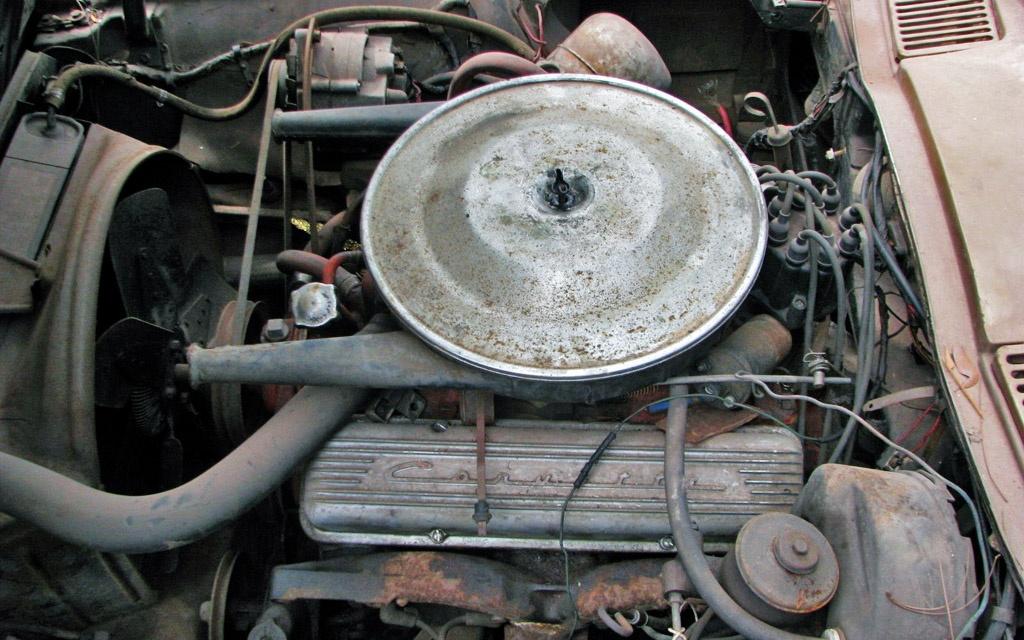 Corvette Coupe Engine