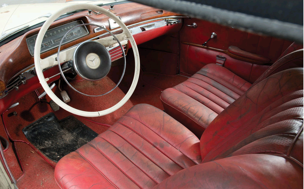 Crusty Cabriolet: 1960 Mercedes-Benz 220 SE