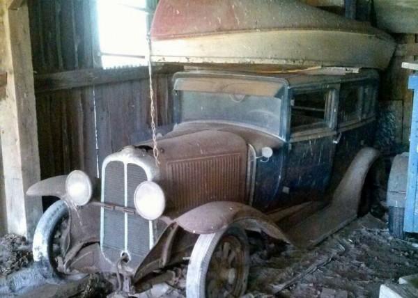 1929-pontiac-barn-find