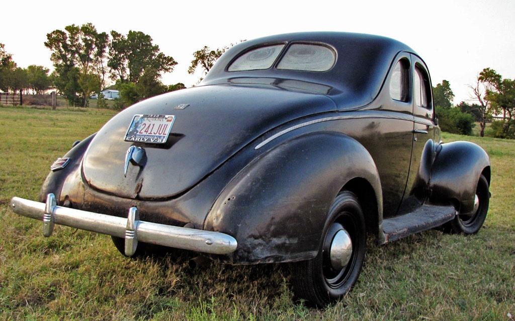 Bootlegger\'s Dream: 1940 Ford Coupe