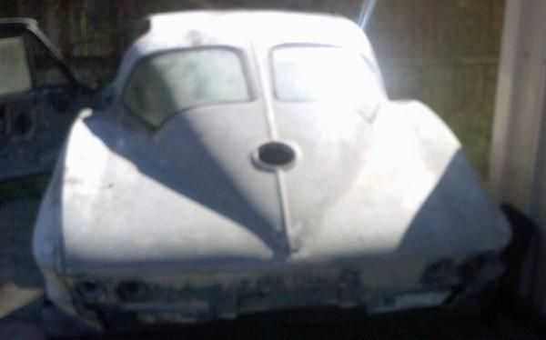 Blurry Corvette Coupe