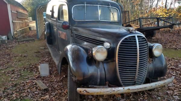 1939-ford-ambulance