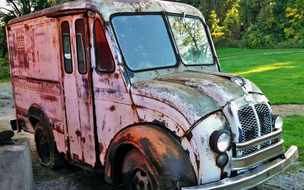 Bolgos Farms Dairy Truck: 1960 Divco 134 Delivery