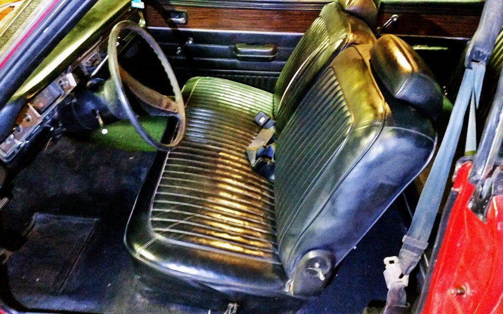 Dodge Swinger Interior