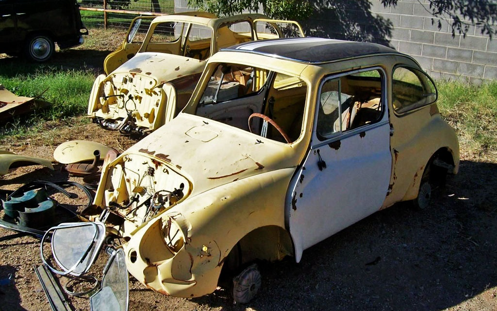 Sequential Pair: 1969 Subaru 360 Young S