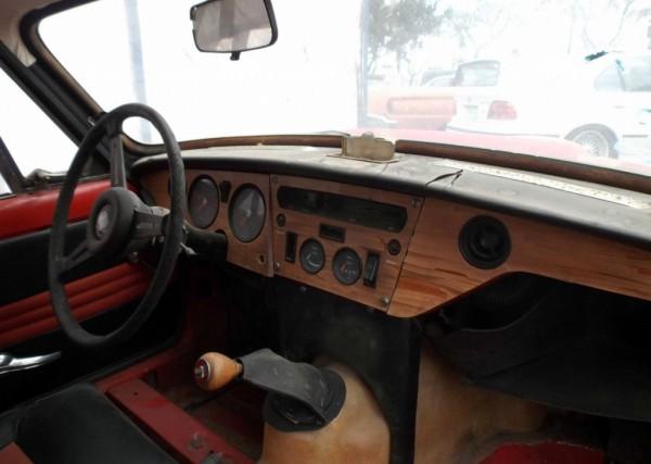a peeling coupe 1969 triumph gt6. Black Bedroom Furniture Sets. Home Design Ideas