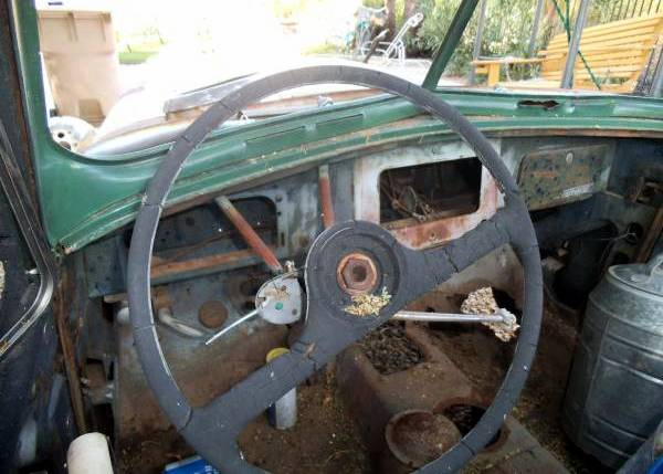 jeepster-dash