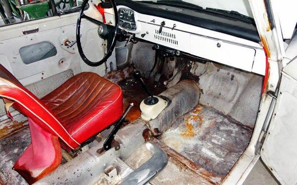 Austin A40 Interior