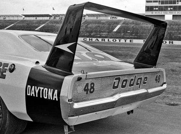 Dodge Daytona #48